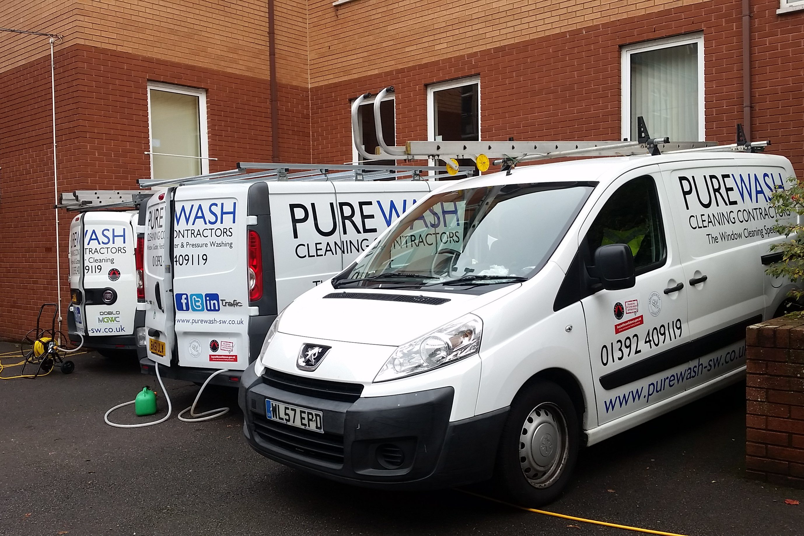 About PureWash Cleaning Contractors